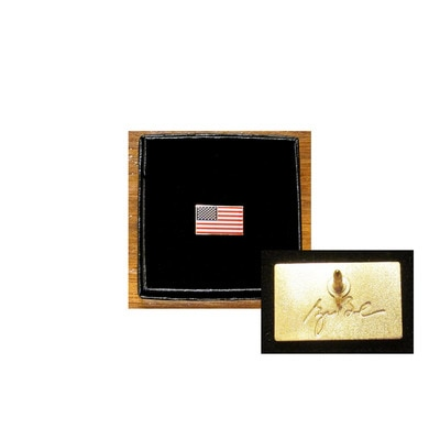 US Flag Lapel Tac with Signature